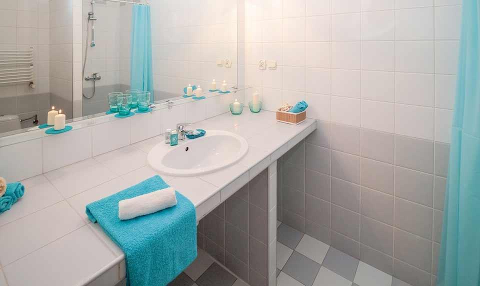 Como limpar pia do banheiro? Confira 10 dicas. Foto: Pixabay